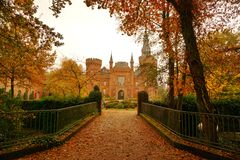 在Moyland城堡的秋天 库存照片