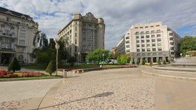 在Moyua广场,毕尔巴鄂引人入胜的建筑都市风景的全景  股票视频