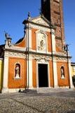 在mozzate老闭合的砖塔边路意大利lomba 库存照片