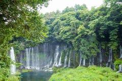 在Mt附近的Shiraito瀑布 富士在富士宫专区, Jap 免版税库存图片