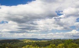 在Mudgee,新南威尔斯,澳大利亚附近的绵延山 库存照片