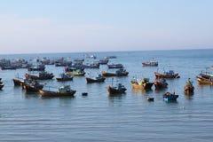 在Muinea,越南的渔船 免版税库存照片