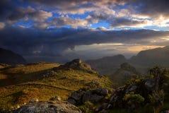 在Mulaje山的晚上光 库存照片