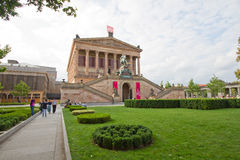 在Museumsinsel的Alte Nationalgalerie在柏林 免版税图库摄影