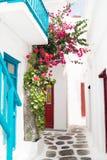 在Mykonos海岛上的传统希腊房子 免版税库存图片