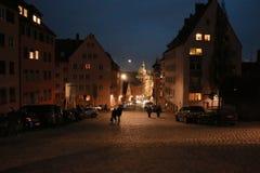 在NÃ ¼ rnberg的夜 库存照片