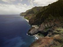 在Na梵语海岸的鸟瞰图在考艾岛海岛上 库存照片