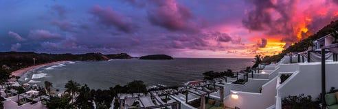 在Nai哈恩手段的日落-普吉岛 库存照片