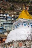 在Namche义卖市场,尼泊尔的佛教stupa 库存图片