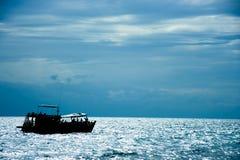 在Nangyuan的佩戴水肺的潜水小船 库存照片