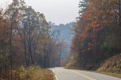 在Nantahala森林附近的秋天 库存照片