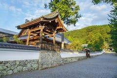 在Nanzen籍寺庙的钟楼在京都 免版税库存图片