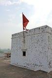 在Narasingha寺庙的红旗 库存照片