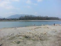 在narayani河的仪式 免版税库存图片