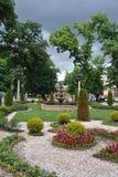 在Narzan画廊前面的花床在Kislovodsk温泉公园  库存图片