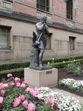 在Nasjonalgalleriet前面的雕象在奥斯陆,挪威,欧洲 免版税库存图片