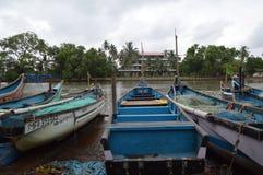 在Nerul河,果阿的小船 库存照片