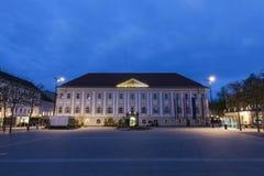 在Neuer普拉茨的Neues Rathaus在克拉根福 免版税库存图片