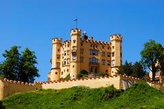 在neuschwanstein附近的城堡堡垒 免版税库存图片