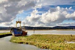 在Nith出海口的小船Glencaple的 免版税库存照片