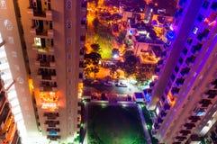 在noida摩天大楼的五颜六色的光 库存照片