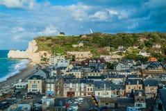 在normandie法国的Etretat海滩 免版税库存图片