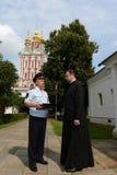 在Novodevichy女修道院的保护的警察 Novodevichy Bogoroditse-Smolensky修道院-正统女修道院在D的莫斯科 免版税库存照片