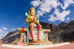 在Nubra谷的菩萨Maitreya雕象 免版税库存照片