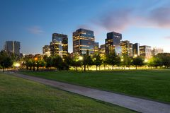 在Nueva Las Condes,一个新的财政和商业中心的大厦在Las Condes区 免版税图库摄影