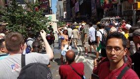 在NYC 107的2013年GoTopless天 库存图片