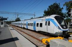 在Nynashamn的驻地的火车 免版税库存图片