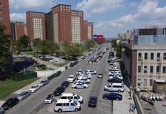 在NYPD 60tht界域前面的警车W第8 St的在布鲁克林 库存图片
