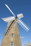 在Oatlands,塔斯马尼亚岛的历史的面粉风车 库存图片