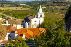在Obidos,葡萄牙迷人的村庄的看法 库存照片