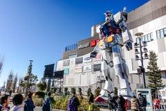 在odaiba潜水者城市东京的Gundam雕象 库存照片