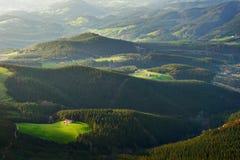 在oiz山附近的农村风景 库存图片