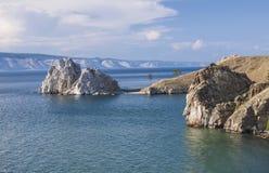 在Olkhon海岛上的俄罗斯-贝加尔湖- Shamanka岩石 库存照片