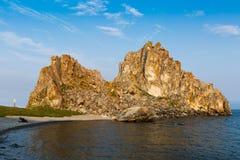 在Olkhon海岛上的僧人岩石贝加尔湖的 免版税库存照片