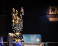 在OMSI的机械机器人夹子 库存照片