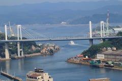 在Onomichi市的桥梁 免版税库存图片