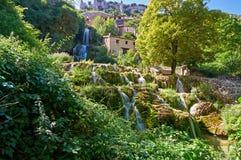 在Orbaneja del卡斯蒂略的瀑布 免版税图库摄影