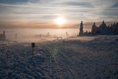 在Orlicke小山的冬天-黄昏 免版税库存照片