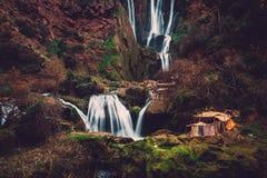 在Ouzoud瀑布附近的巴巴里人村庄在摩洛哥 图库摄影