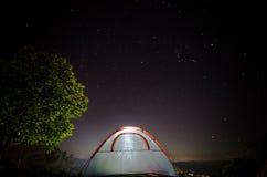 在pa hom pok的夜空视图 免版税库存图片