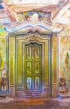 在Padeniya寺庙的被雕刻的门 库存照片