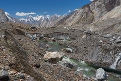 在Paiju峰顶, K2艰苦跋涉,巴基斯坦前面的Baltoro冰川 免版税库存照片