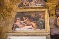 在Palazzo del Te围住壁画在曼托瓦 库存照片