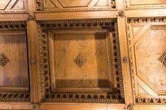 在Palazzo Vecchio,佛罗伦萨,托斯卡纳,意大利地理地图的霍尔的木天花板片段  免版税库存照片