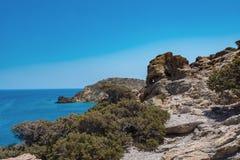 在Paleochora镇附近的石海滩在克利特海岛,希腊上 库存照片