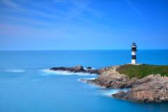 在Pancha海岛上的看法在里瓦德奥,西班牙 免版税图库摄影